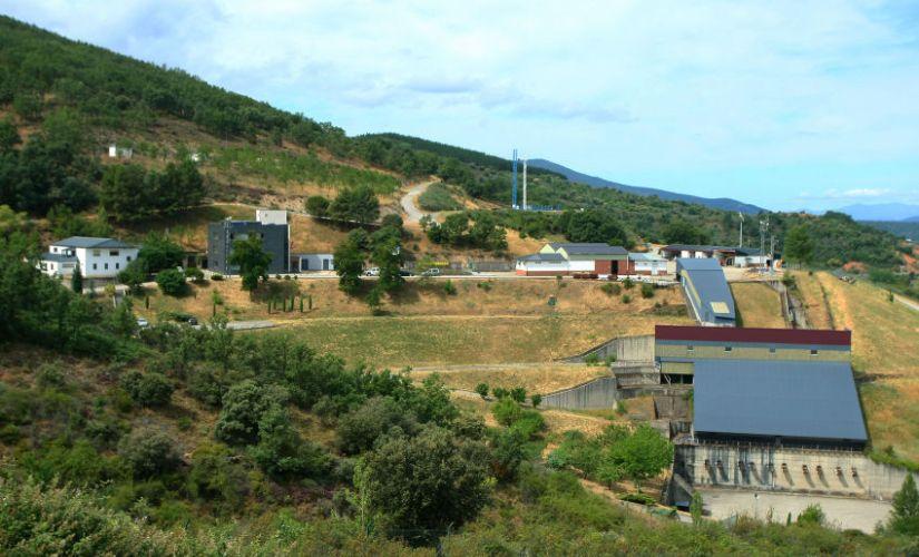 Vista general de la Fundación Santa Bárbara, situada en el municipio de Folgoso de la Ribera.